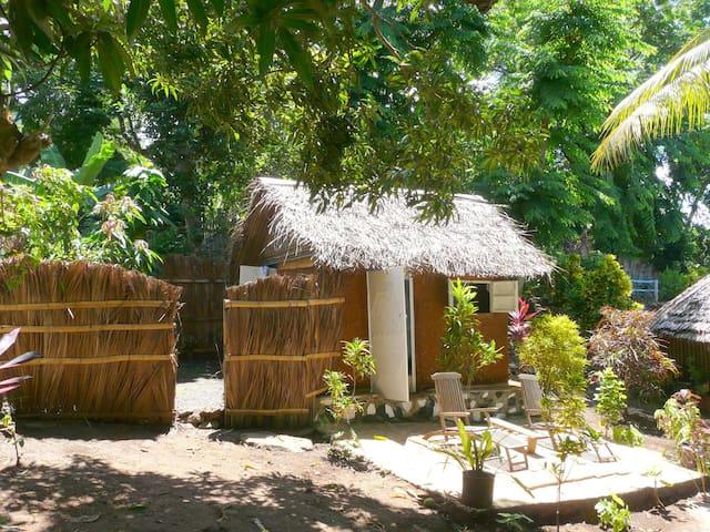 Gîte traditionnel en pleine nature et bord de mer - Sada - Natuur/eco-lodge