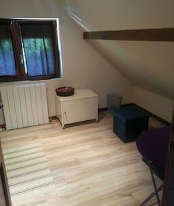 Etage complet dans maison spacieuse - Bois-le-Roi - Ház