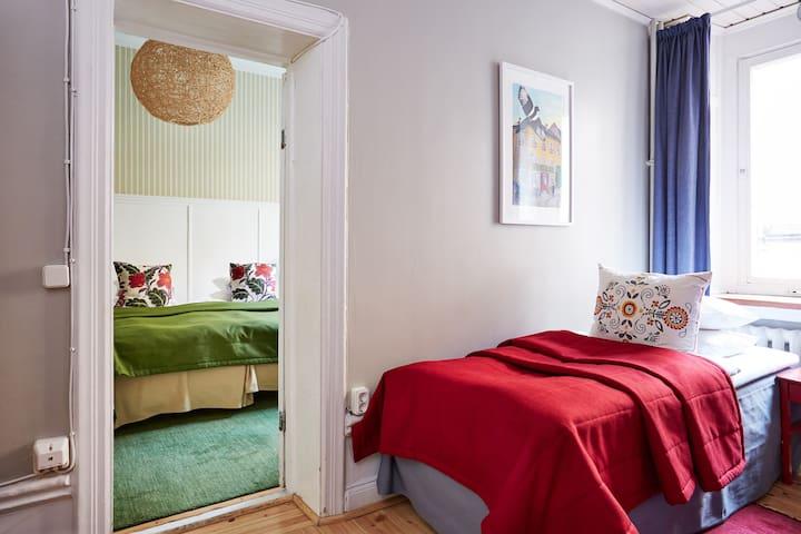 Large quadruple room, private bathroom