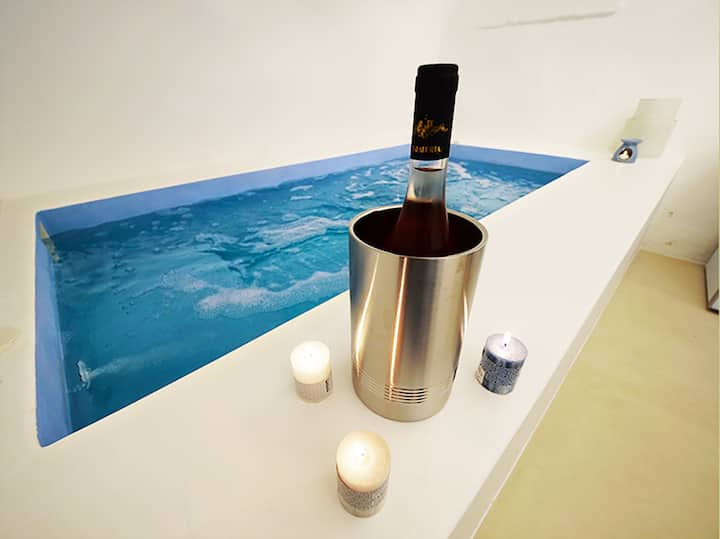 Portadamare luxury pool home