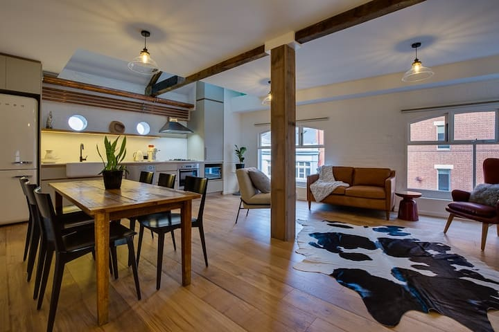 Waterfront apartment in historic flour mill - Hobart - Apartment