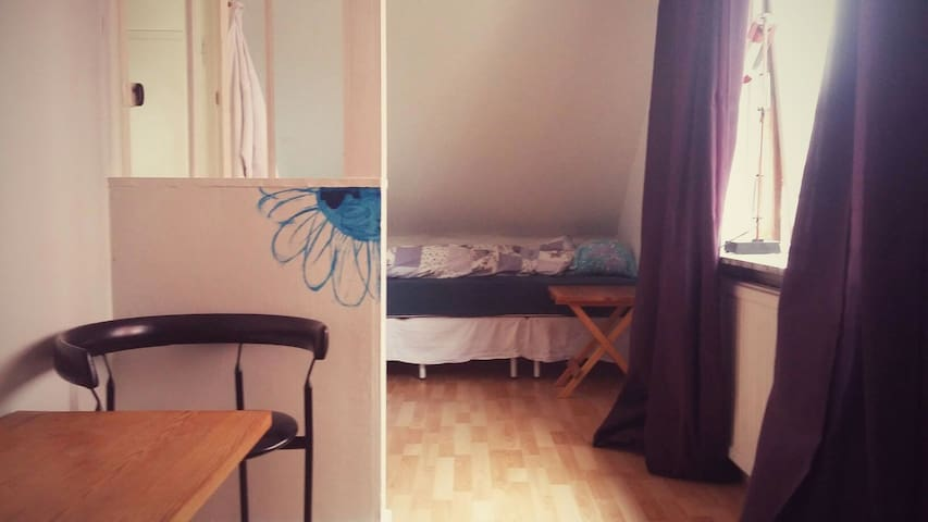 Downtown Tórshavn - Room for couple/family/friends