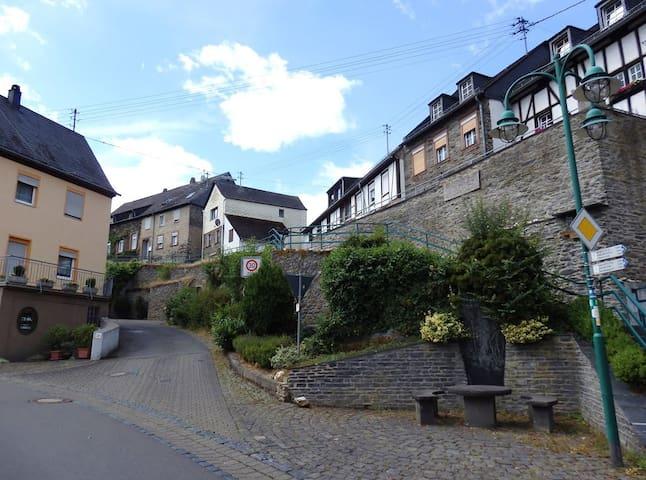 Aktivitäten rund um Starkenburg
