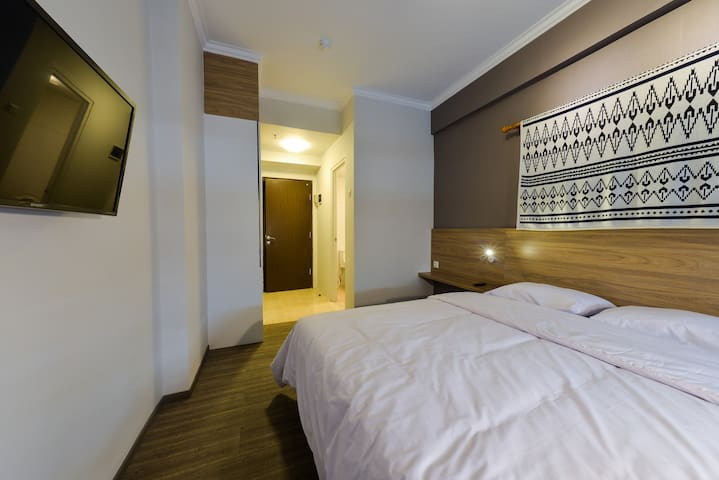 Homtel @ The Suites Metro (Unit C16/01) - Buahbatu - Apartment
