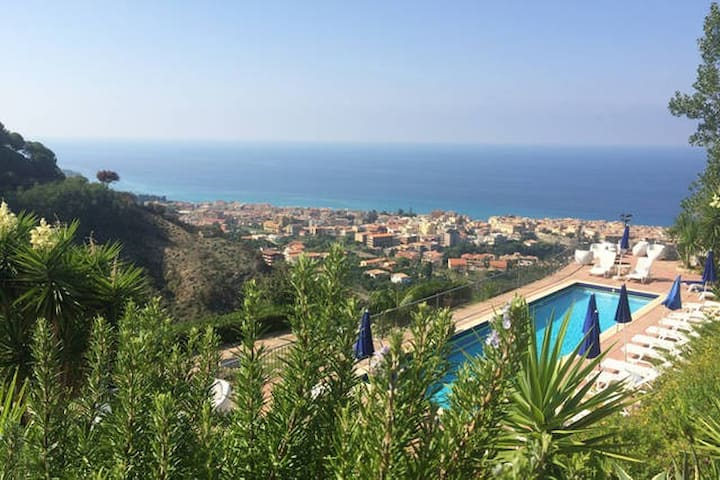 Pool, Garden, View, 4 km from Tropea....