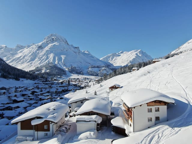 "*SKI IN & OUT* - 2 bedroom Apartment ""K"" in Lech"
