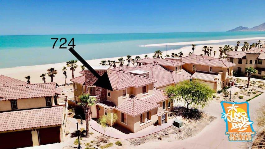 On The Beach Condo 724 Sleeps 6 adults plus kids