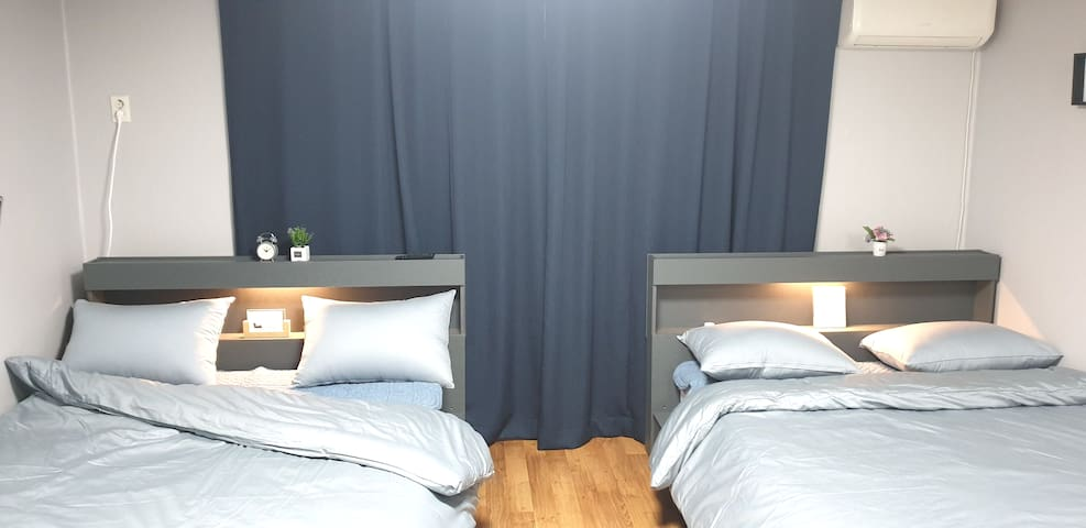 [Open discount]Center of Seoul)Clean and Cozy room