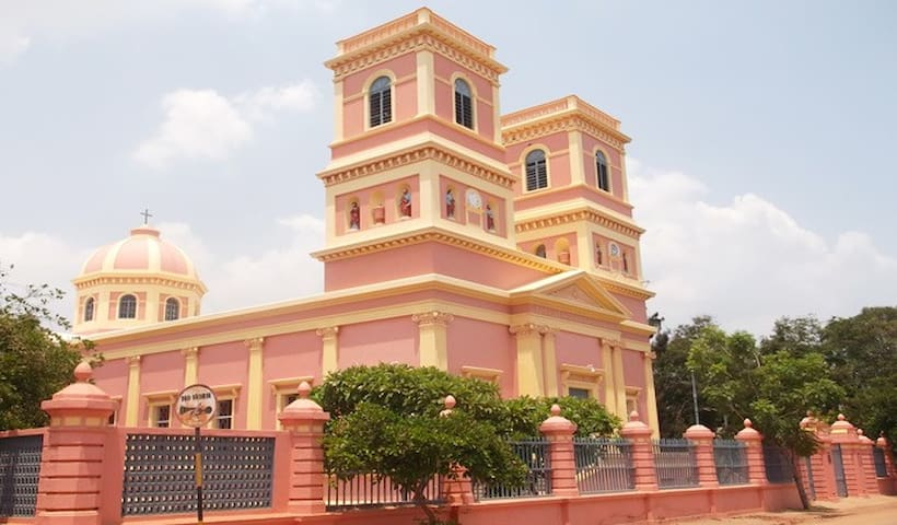 Church on Dumas street