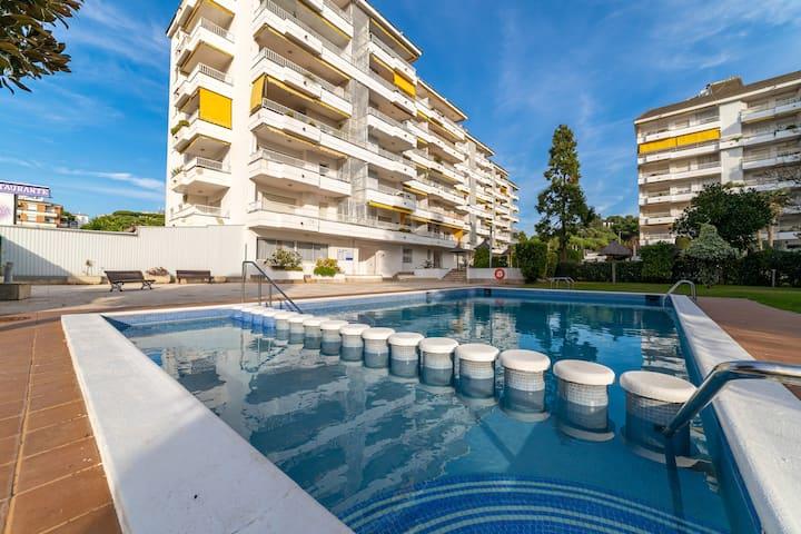 Apto. Lux View , lujo frente al mar, gran zona exterior y piscina