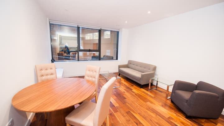 Comfortable and Modern 2 Bedroom Flat in Harrow