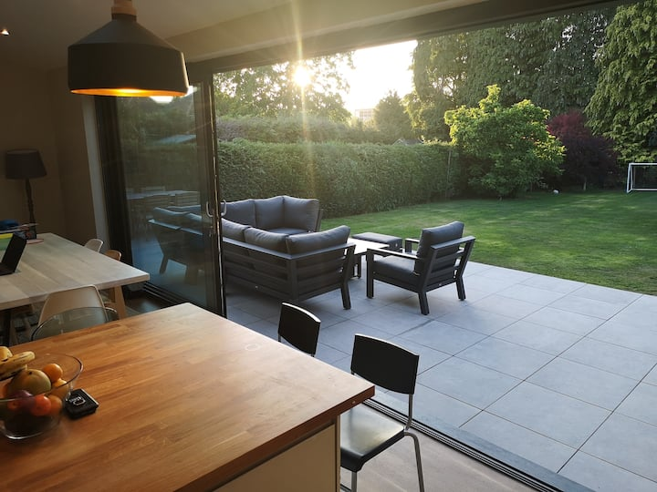 Modern, spacious family home in Dorking, Surrey