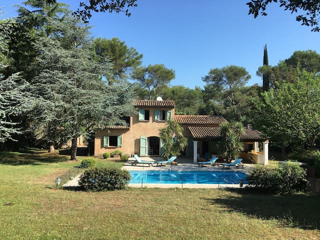 Beautifully decorated provençale house in Mougins