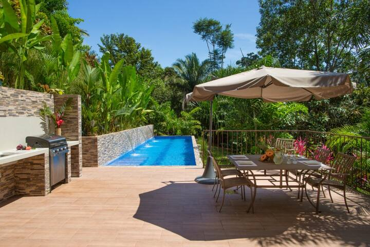 3BR Casa Palmeras near Quepos, large private pool