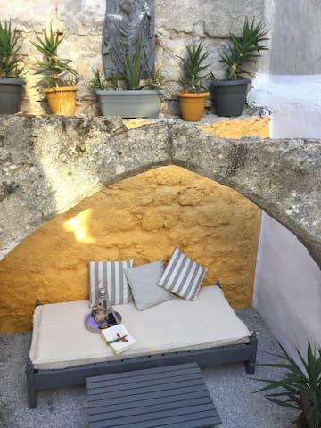 Happy Aloe Garden - Rhodes Old Town - Rhodes - House