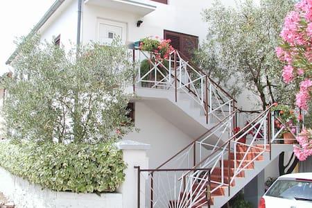 Apartment Eskinja - Biograd na Moru - Apartamento