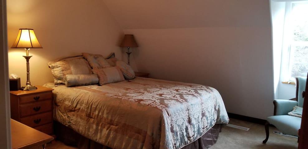 3rd Floor Guest Bedroom