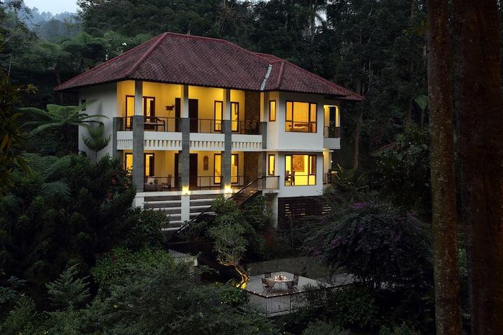 Villa Puncak By Plataran - Five Bedroom Villa