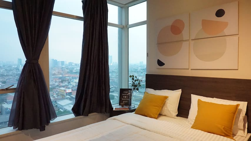 Luxury Living Thamrin Residence #15AD Master Room