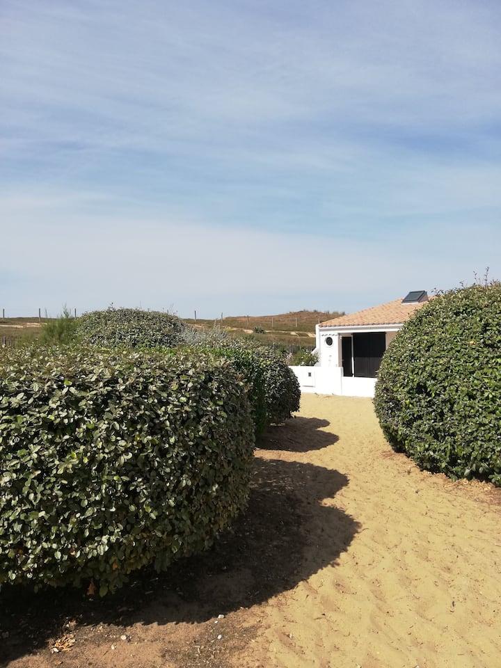 Jolie maison rénovée bord de plage...