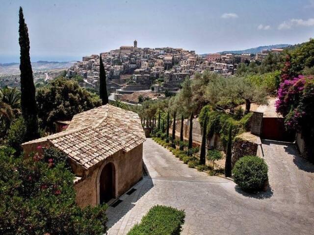 Affittasi appartamento a Badolato Marina, Calabria