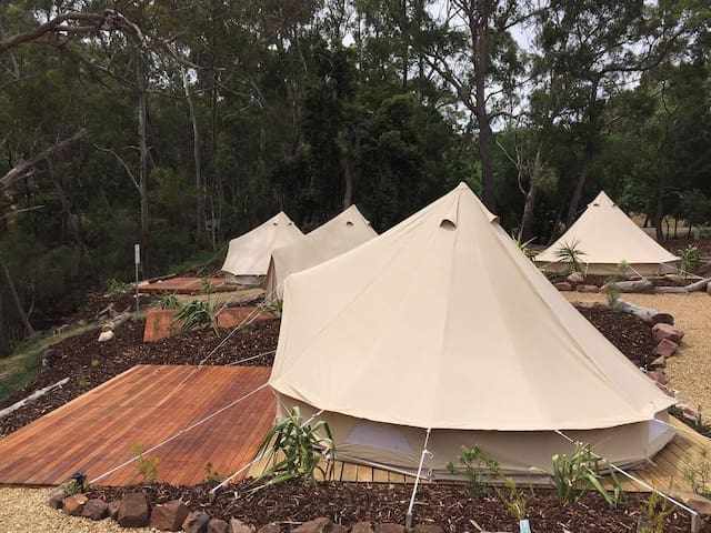 Glamping Couples Retreat, Halls Gap Lakeside - Halls Gap - Telt