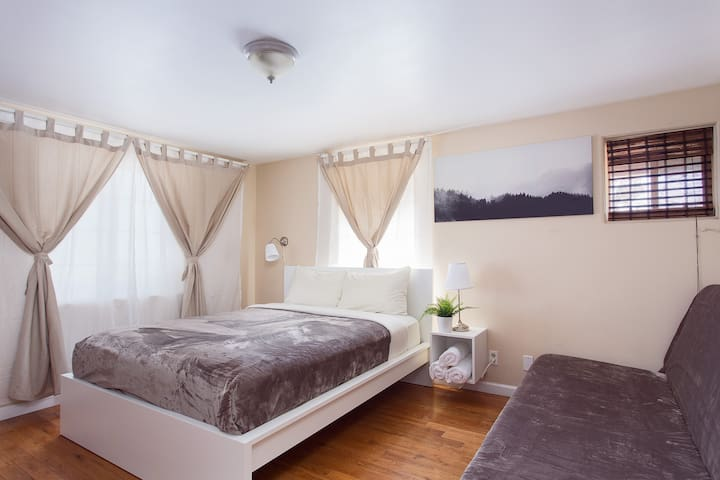Affordable pr/room || 2 min to Walk of Fame