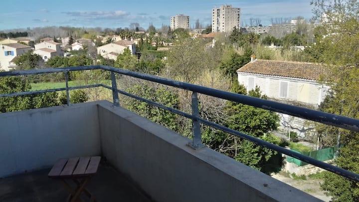 3 Pièces, Terrasse, Piscine, 10 mn centre-ville.