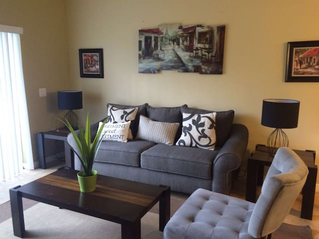 Charming apart 5 minutes driving to Animal King - Kissimmee - Flat