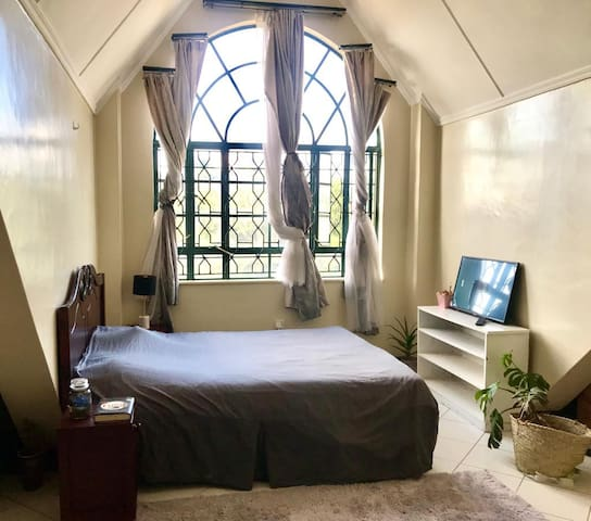 Corner View Loft (500 meters from Junction Mall)
