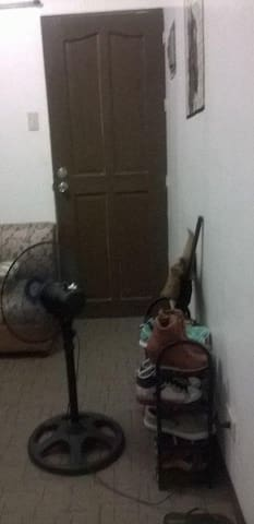 room  for rent semi- furnished - Las Pinas - Pis