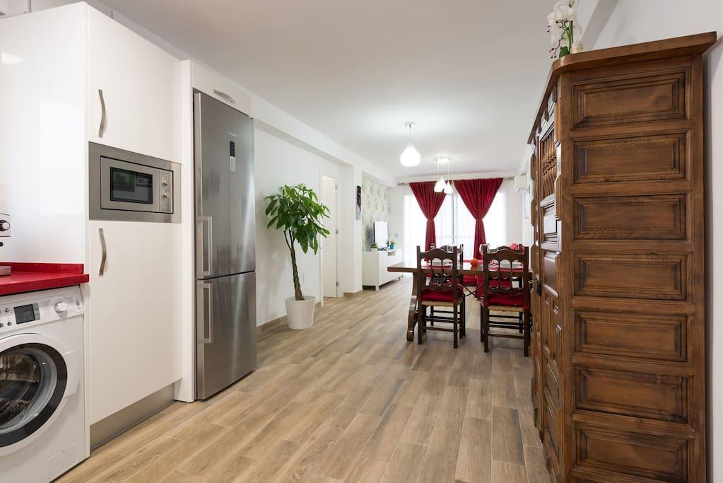 Vista del salón y cocina