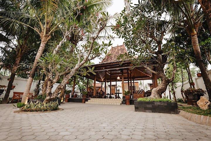 The Mangkoro Yogyakarta by Yuwono Hospitality