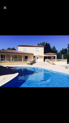 luxury house 10 minute from AIX EN PROVENCE