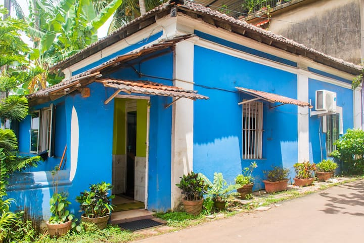 Independent Sea facing  House in Ribandar - Ribandar - Casa
