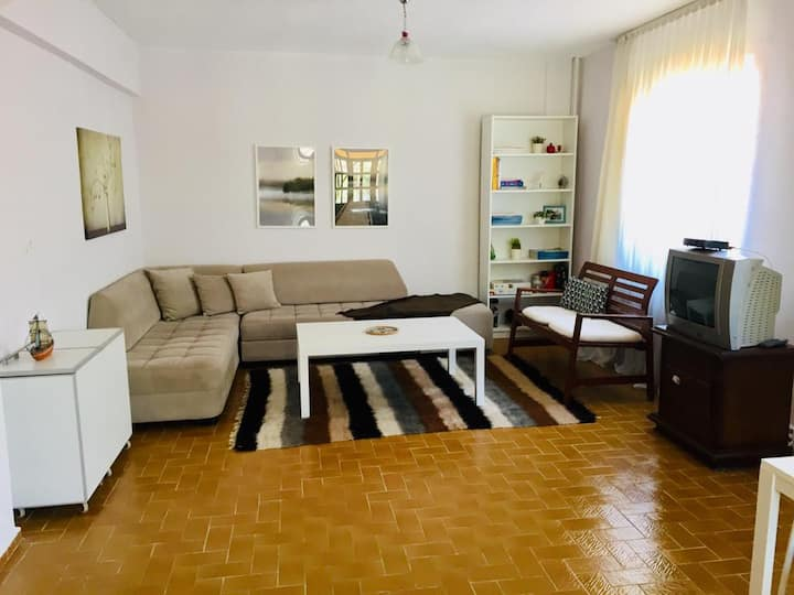 Entire house for rent. Close to market and lake.