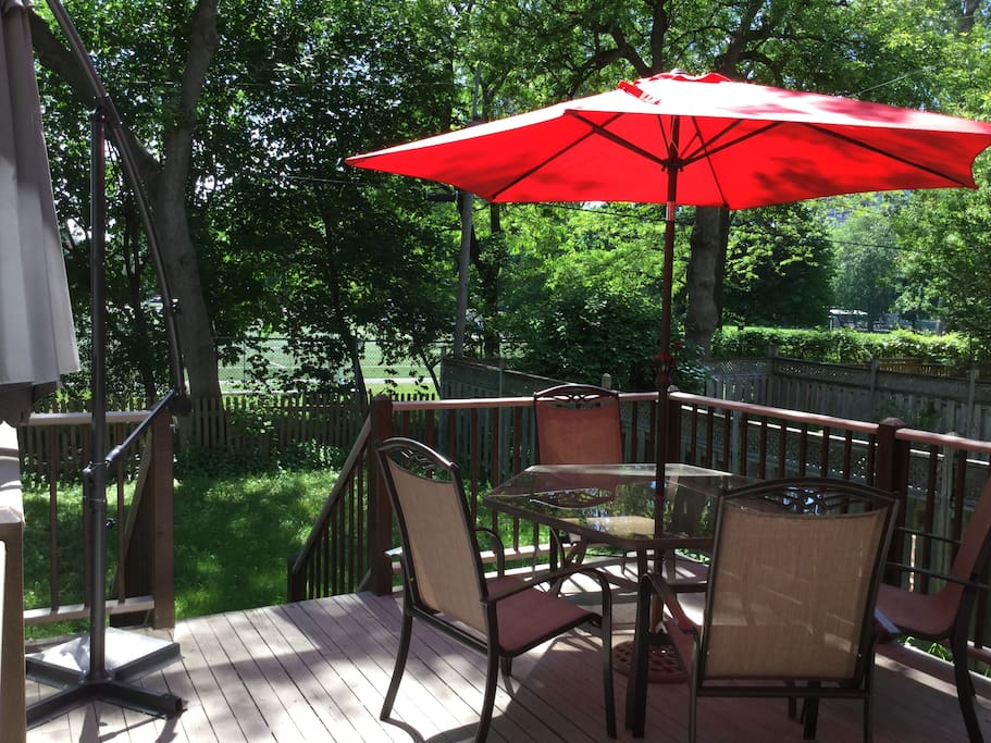 La terrasse ensoleillée - The sunny terrace