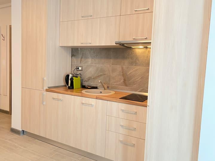 Sunrise Deko Apartment at Alezzi Beach Mamaia