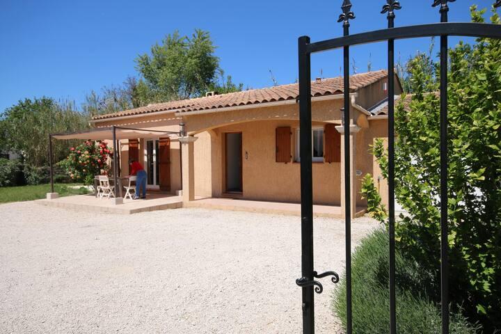 Chambre dans villa - Mallemort - Villa