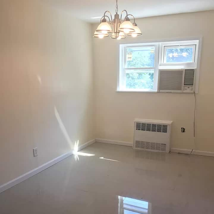 Unfurnished Independent Room in House