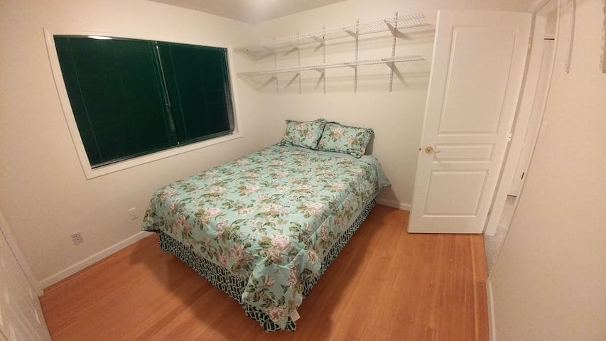 "Hill Crest Place - Queen bed 60""x 80"" - Clearwater - Bed & Breakfast"