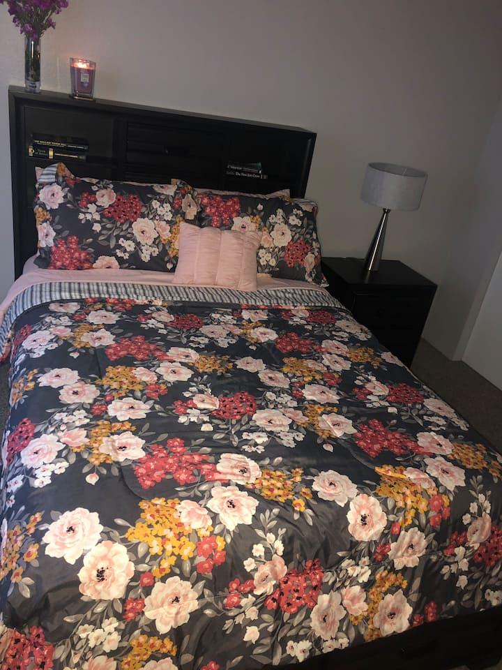 420Friendly Cozy Room with bath