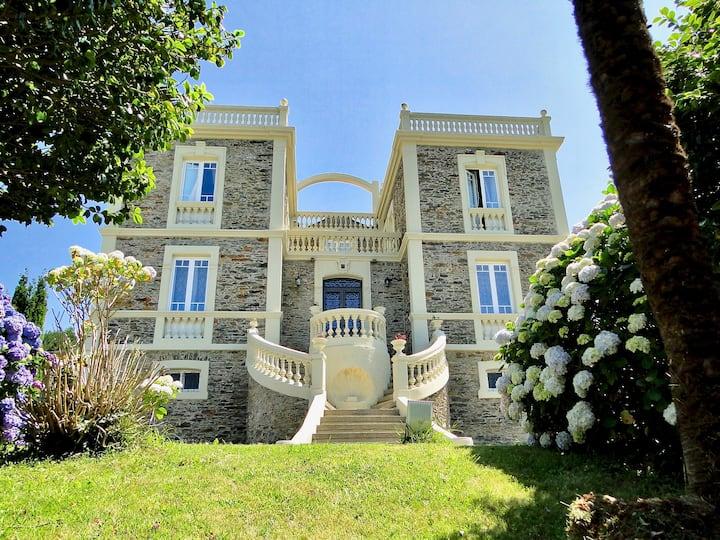 Casa indiana de estilo colonial  Villa Auristela