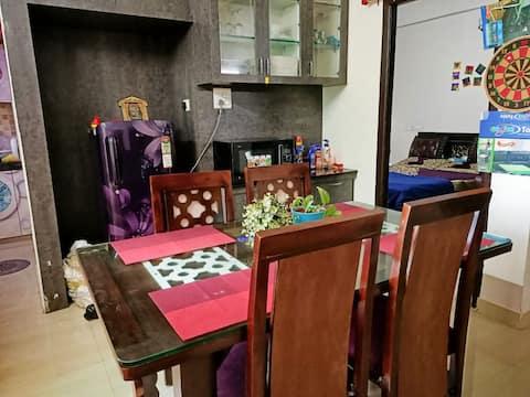 Luxurious home with AC,Wifi,24*7 Power & Househelp