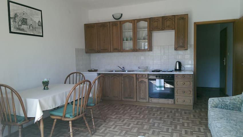 Spacious family Apartment  in Kaštela - Kaštel Lukšić - Apartmen