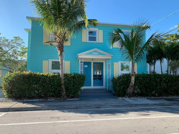 Cozy studio # 1 just 1 mile from Lake Worth beach