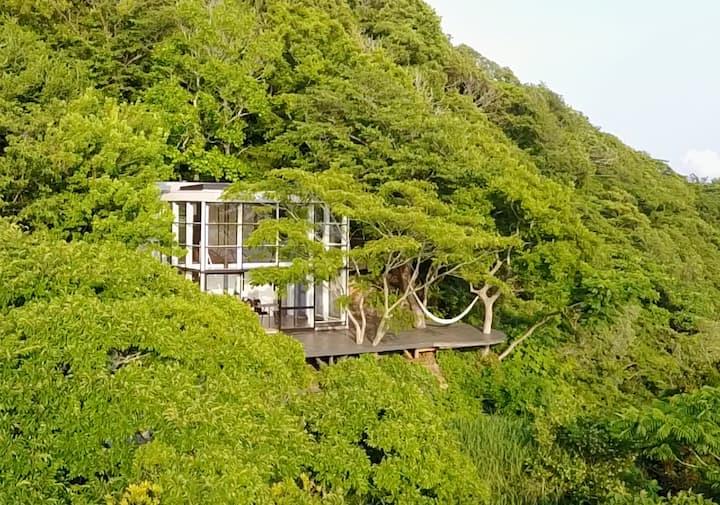 Izu Cliff House. Open Ocean Views. National Park.