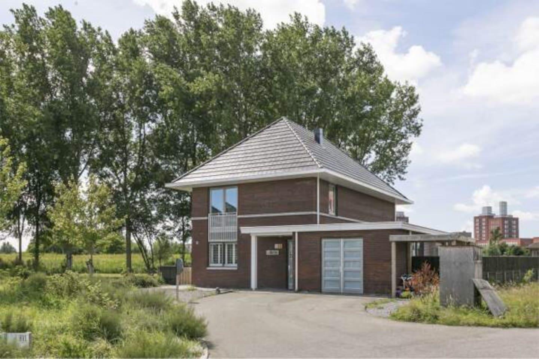 Luxe grote vrijstaande villa met 6 slaapkamers - Villen zur Miete in ...