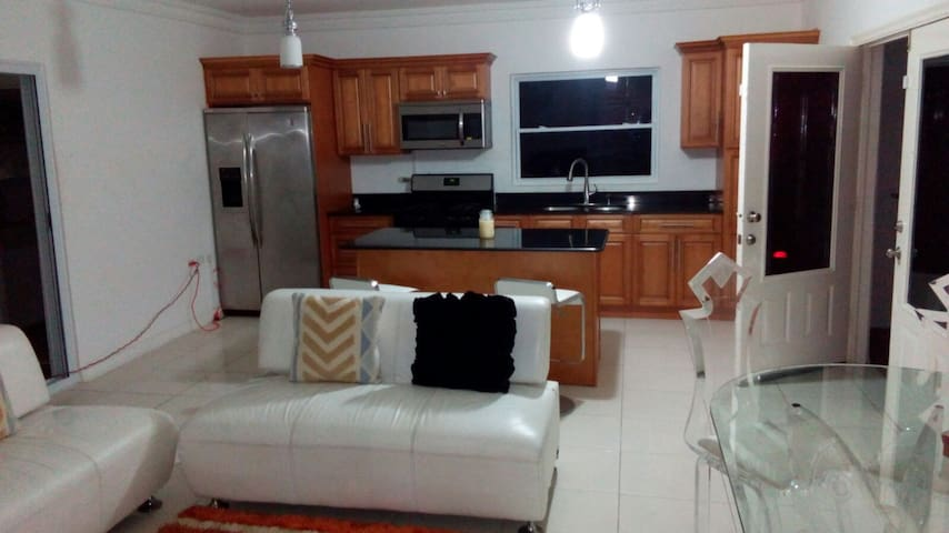 3 BEDROOM - 3 BATHROOM HOME - Gated Community - Portmore - Ev