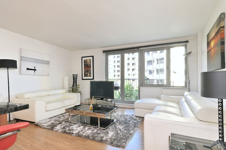 Perfectly Located Beautiful Apartment & free gym